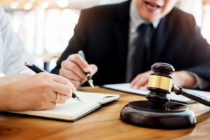 5 Instances Where Paralegals Cover-Up For Lawyers